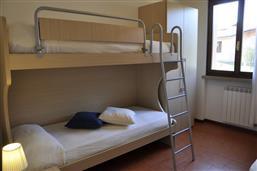 Stockbetten +Einzelbett